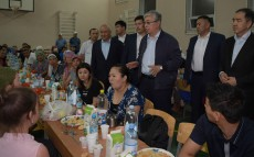 Kassym-Jomart Tokayev visits the evacuation centre in Arys